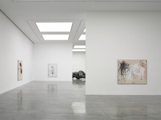 tracey-emin-white-cube-bermondsey-a-fortnight-of-tears-2